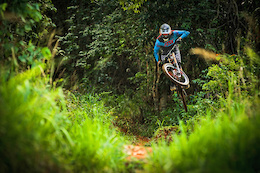 Video: Fearon, Smith and Bryceland Launch 2015 Fox Head DH Range