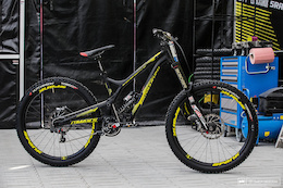 Rémi Thirion's Commencal Supreme DH V4 - Fort William DH World Cup 2016