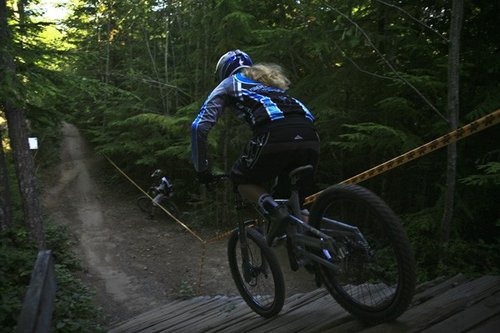 Monavie/Cannondale's Leana Gerrard cranking into 'King Diamond'