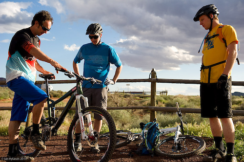 Porter, Billy and Kyle check out the XC/AM bikes prior to riding Jem Trail.