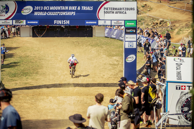 Madison Saracen Spending UCI MTB World Championships - Pietermaritzburg South Africa - Find the article on Pinkbike.com - Laurence CE - www.laurence-ce.com