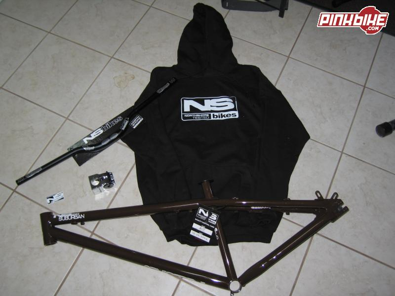 NS Bikes Suburban steel HT frame, NS Bad Mama handle bars, Quark Stem and Hoodie.
