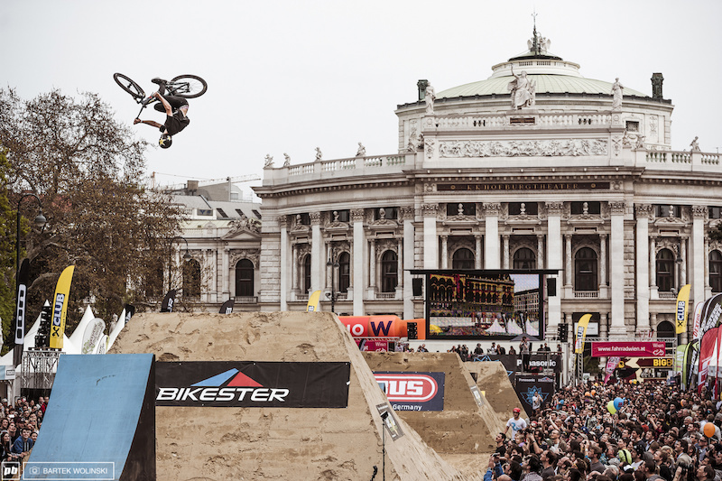 The signature trick from the French rider - clean flatspin threesixty.