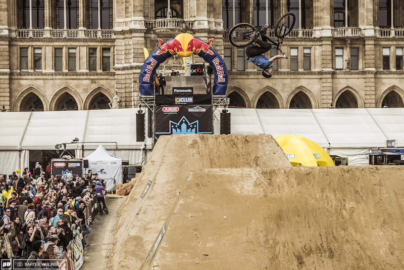 Flatspin or a barrel roll Mehdi gave the judges a little riddle to sort out.