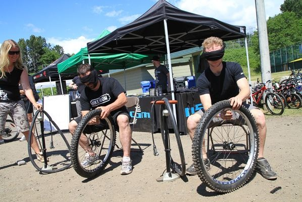 Tire Change Comp at MEC Bikefest North Shore