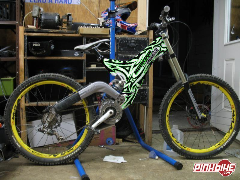 my mates new frame at mountain cycle shockwave 9.5 in ...