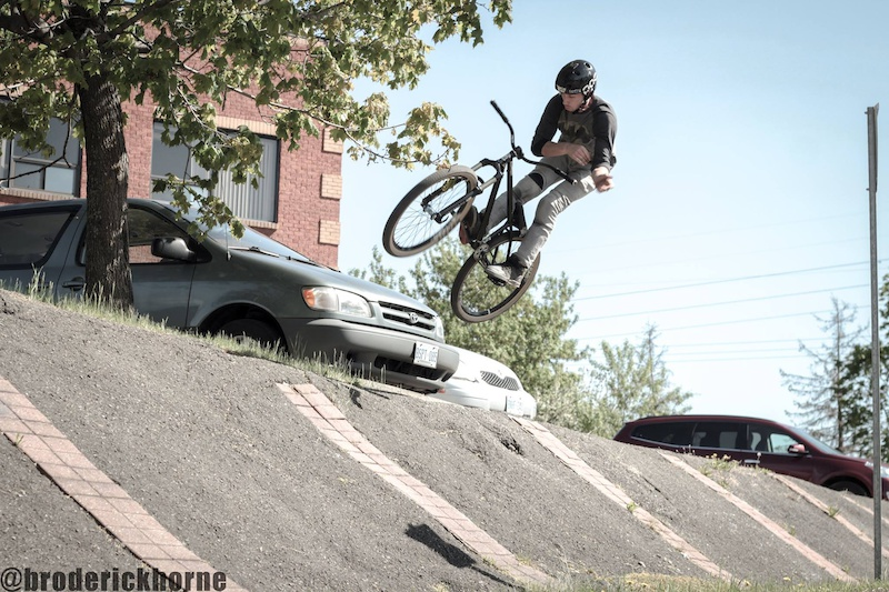 Barspin - Photo Broderick Horne