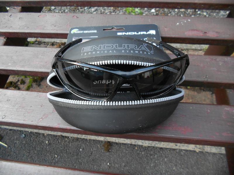 2015 endura snapper glasses light reactive new ex demo. Black Bedroom Furniture Sets. Home Design Ideas