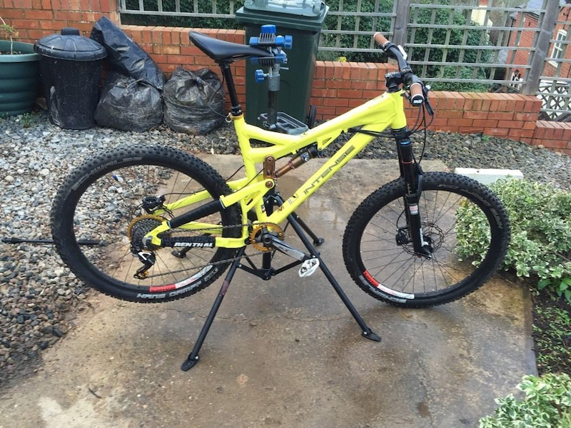 reduced intense 6 6 enduro mountain bike with upgrades for. Black Bedroom Furniture Sets. Home Design Ideas