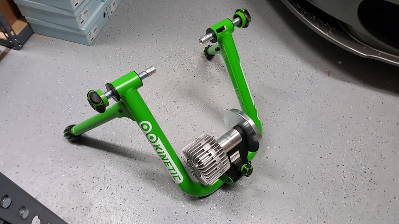 kinetic road machine t2200