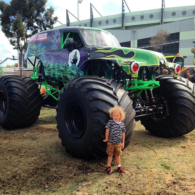 Bam Hill and the Grave Digger