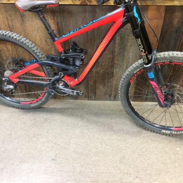 b8f85188d0a ... Scott Gambler 720 Mountain Bike 2016: 2016 Scott Gambler 730 DH Bike  For Sale