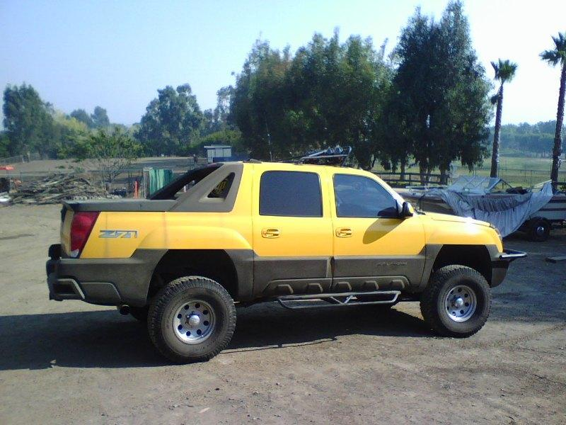 2003 Yellow Chevy Avalanche Z 71 4x4 Lifted For Sale