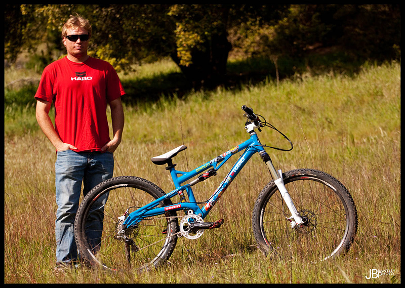 Watts chilling with his new Haro slopebike for 2010