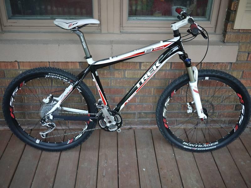2009 trek 8000 hardtail mountain bike like new just 38. Black Bedroom Furniture Sets. Home Design Ideas