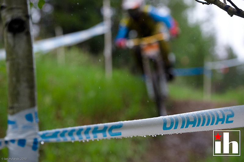 Jason Memmelaar had a great event taking home the win in dual slalom on thursday, and then placing second today. Unfortunately my camera didn't like the rain and decided to focus on the tape, I'll pretend it was deliberate and call it an art photo.