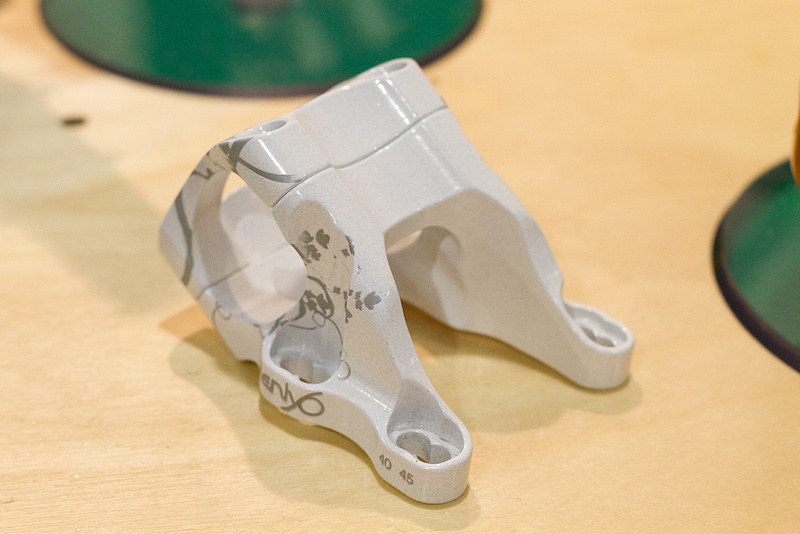 From cool computer stuff to cool bike parts. Next up is Twenty6 and their updated F1 direct mount stem. The original was already a work of art, but Tyler of Twenty6 was looking to improve the stem's stiffness while retaining the same look. To that end the F1 is now a two piece design that will come in two versions that each offer two reach options - a 40/45 mm and 50/55 mm - that weigh in at a svelte 143 grams.