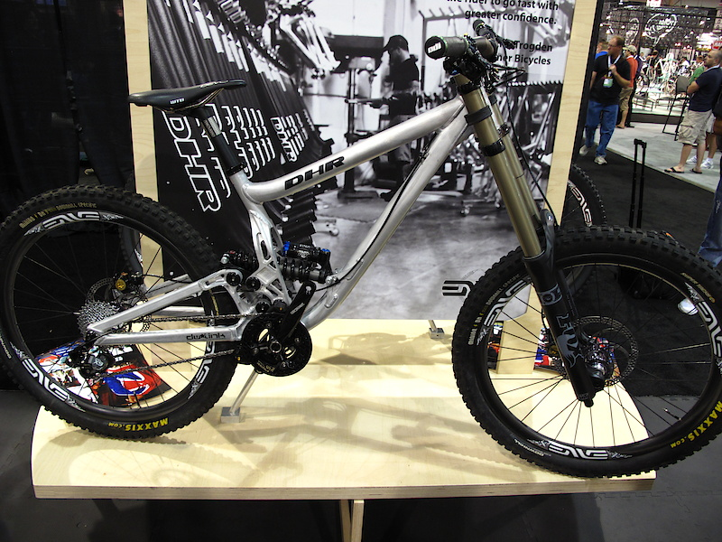 Another super bike that you may have already seen, but that deserves more coverage. If you track down our Crankworx video interview with Dave you'll be able to learn all about the new DHR, including the clever system that it uses to look after its pivots. Turner is making the move away from painted frames, the DHR being available in anodized or raw options. I'd love to see more and more companies offering the raw look, it makes me feel oh so factory!