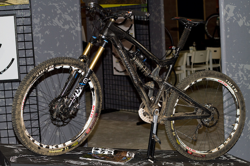 WTB had pro badass Mark Weir's carbon Nomad up on display in their booth. Equipped with Fox Kashima goodness and a mix of WTB and Shimano XTR parts, this was one impressive ride. Word is that he is training exclusively on a single 76 tooth chain ring throughout the winter.