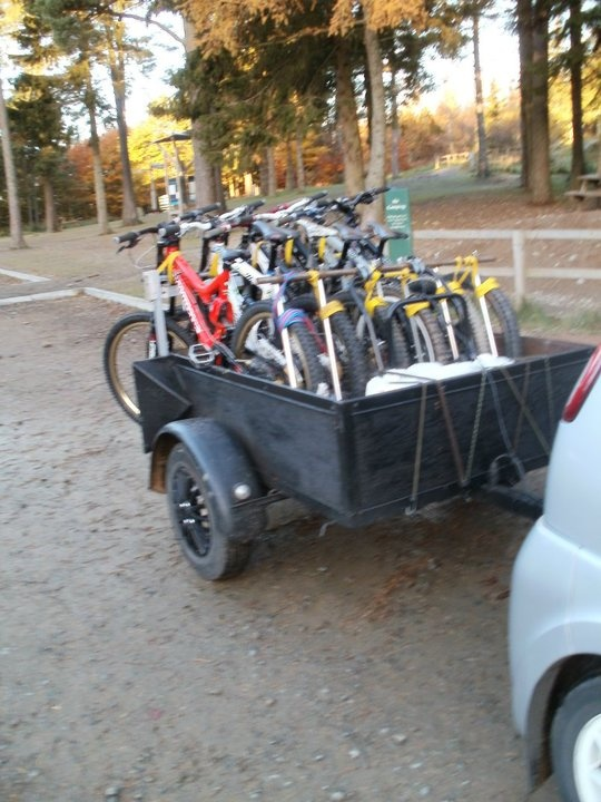 Bikes That Look Like Cars For 4 People bike trailer behind a car like