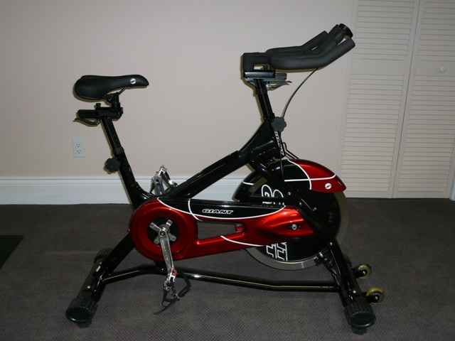 Bikes Online Canada >> GIANT Commercial Grade Spinning Bike For Sale