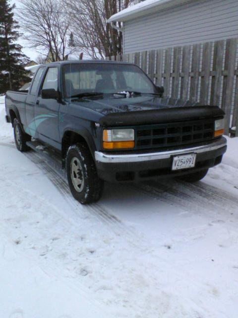 1995 dodge dakota 4x4 v8 many new parts for sale. Black Bedroom Furniture Sets. Home Design Ideas