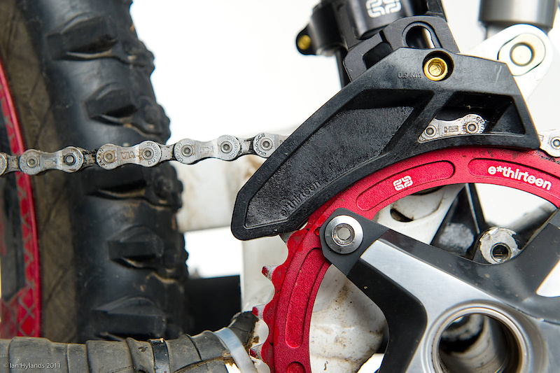 e*thirteen's XCX-ST guide is a simple single ring solution for XC and trail riders