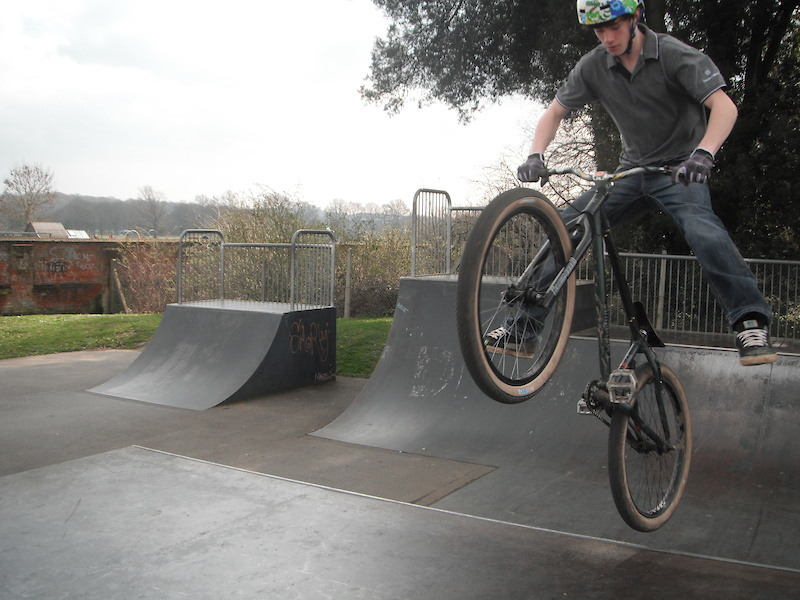 Eastleigh United Kingdom  City new picture : ... skate park. in Eastleigh, United Kingdom photo by MiloXC3 Pinkbike