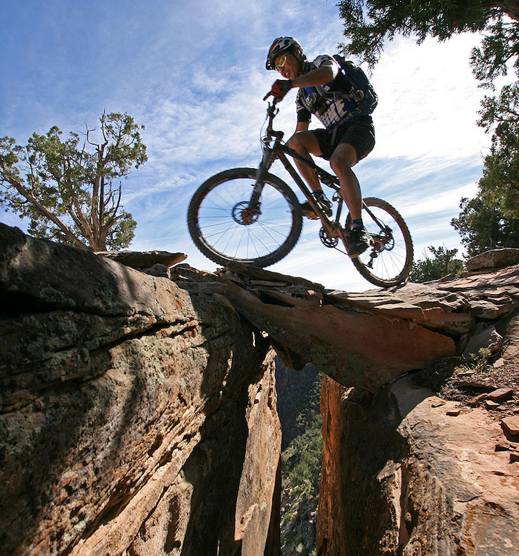 Hygia Carbon brakes, the Rocky Mountain Element and a natural rock bridge - St George Utah