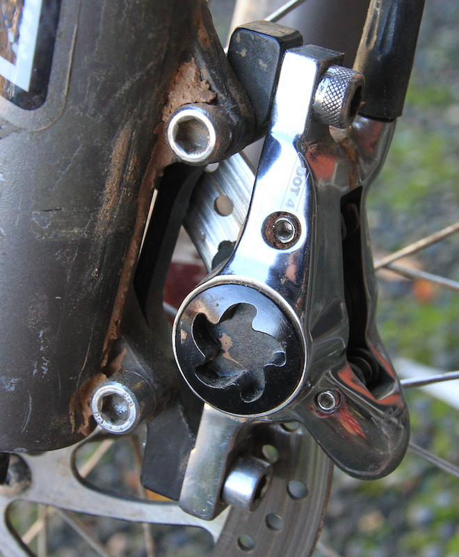 Front brake - International-standard to post mount for a 160mm rotor. Utah dust and mud cannot be purchased as accessories.