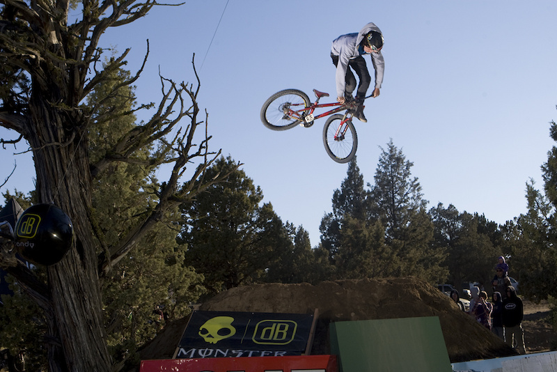 Eric Lawrenuk bringing out the big guns for UDUG 2011. Downside Whip anyone?