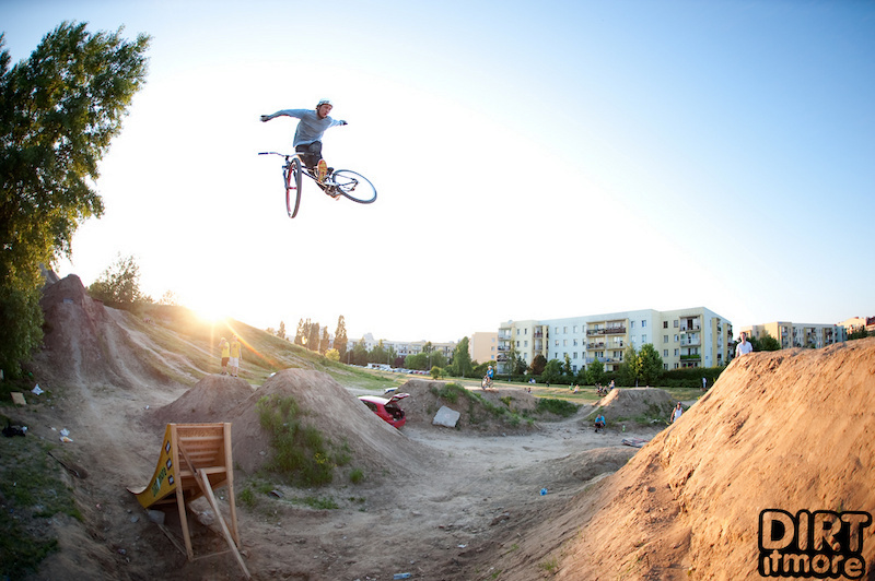 Warsaw Sony Vaio Dirt Masters photostory. 1st Marek Lebek, 2nd Szymon Godziek, 3rd Pawel Turno. Best Trick Olav Langedrag Fjære. Supported by Dartmoor Bikes. Photo by Tomasz Rakoczy - http://tommysuperstar.com.