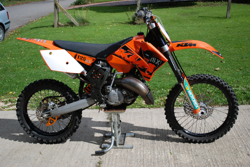motocross bike at ktm sx 125 2006 in swindon united. Black Bedroom Furniture Sets. Home Design Ideas