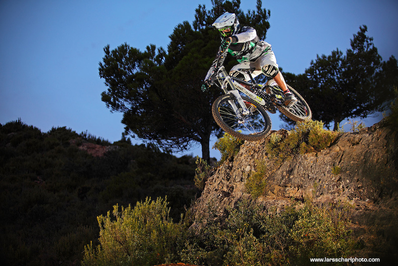Fischi preparing for his downhill world cup season on the fabulous trails at La Fenasosa Bikepark.