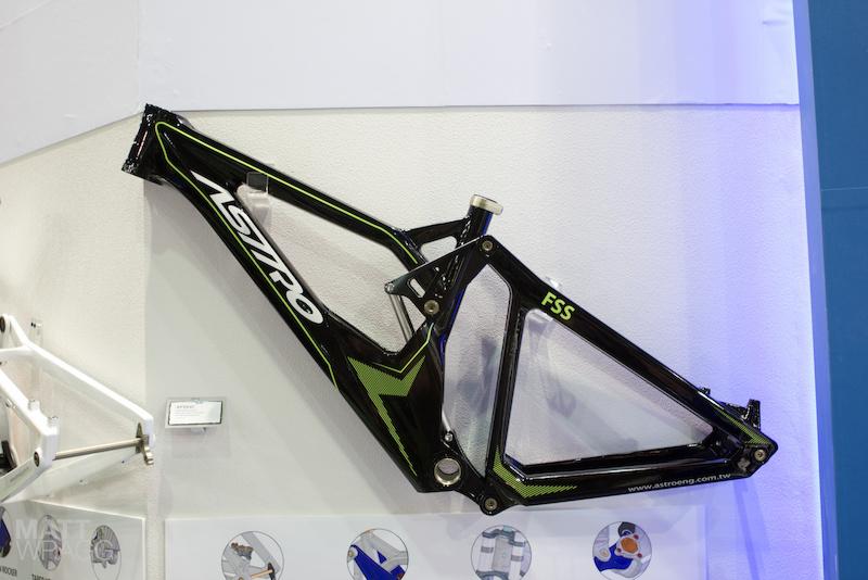 Astro Carbon DH Frame think team KHS - Taipei Cycle Show 2012