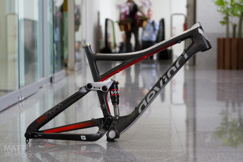 Carbon Devinci Dixon - 145mm - Taipei Cycle Show 2012