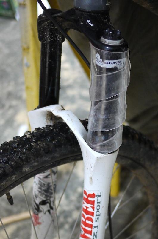 fork sleeve suspension