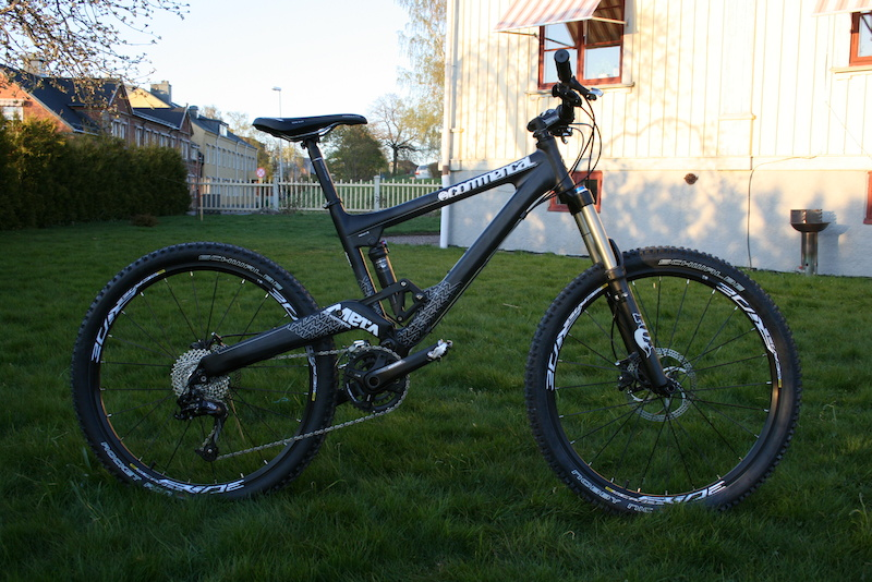 My new Commencal Meta 55 Carbon.