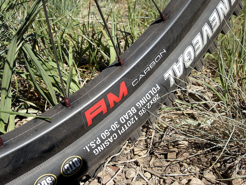 Reynolds Carbon AM wheelset From Pivot Mach 5.7