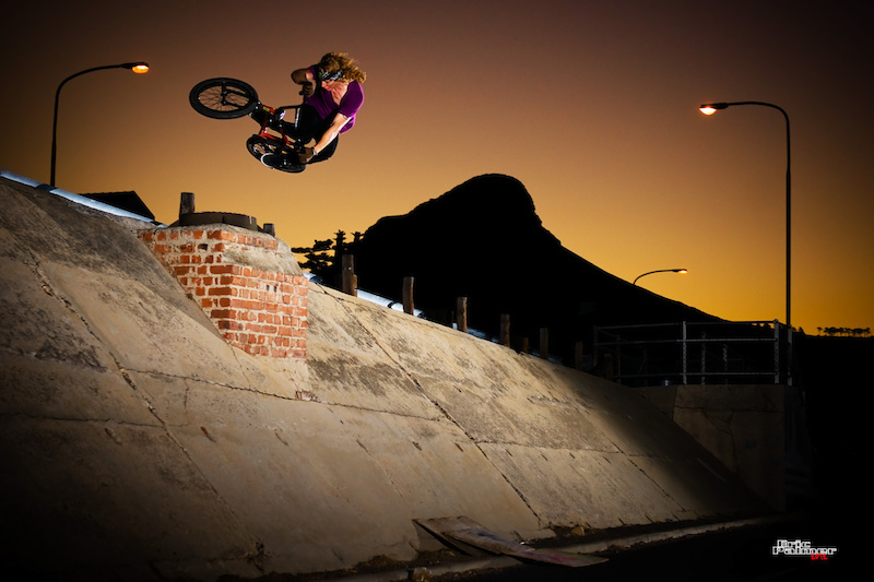 Another oldie of Greg, blasting a huge Downtable in the Mother City in Feb 2011 (re-edit).