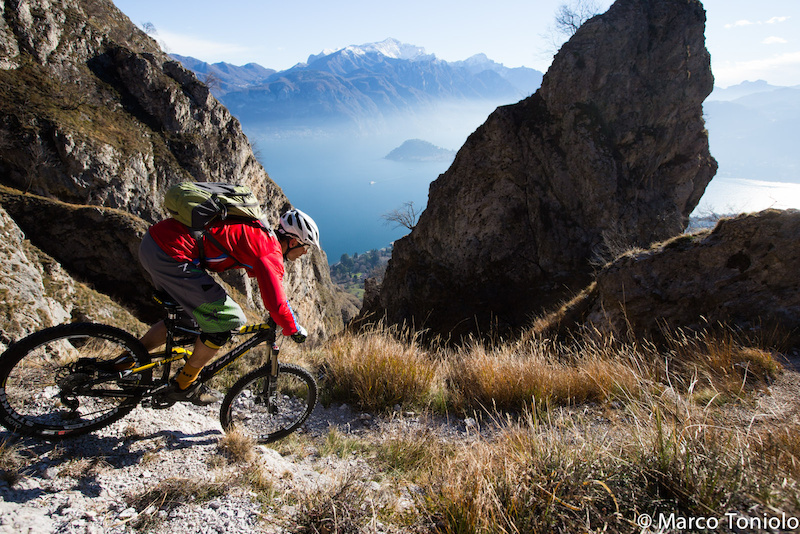 Winter riding at Lake Como