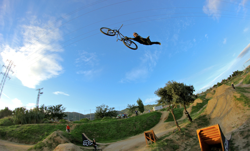 Andreu Lacondeguy - Filming for the new DL video Stay tuned for more http www.facebook.com CPGANG