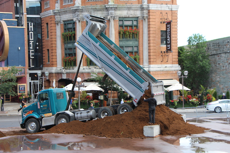 A Dirt Jump event right in the middle of the Old Qu bec City at Place d Youville. Don t miss it on August 8