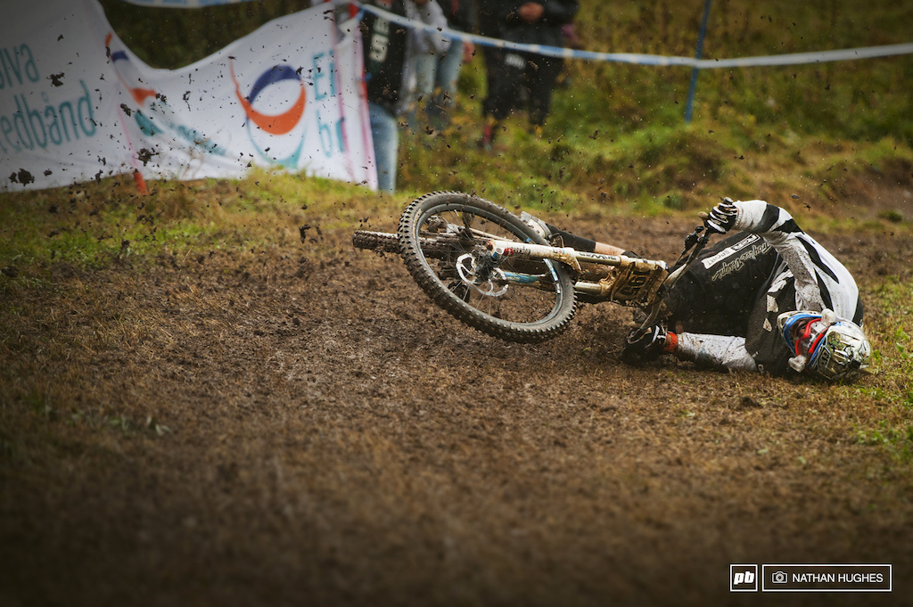 The fastest section of track had a lot of riders taking an impromptu trail nap. When riders fell they had to patiently wait until they stopped sliding and almost everyone kept hold of the bars the whole 30 yards.
