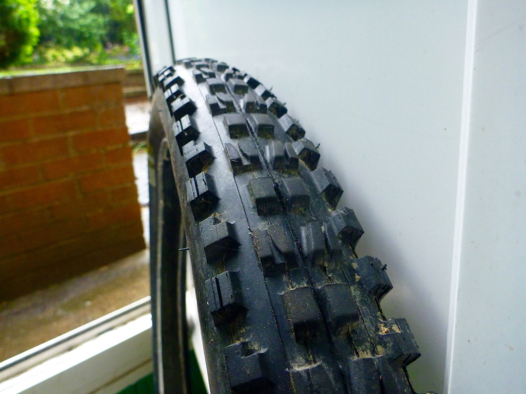 Michelin DH16 - 2.2 (Comes up big) - Dual Ply - Wire Bead - 25% worn