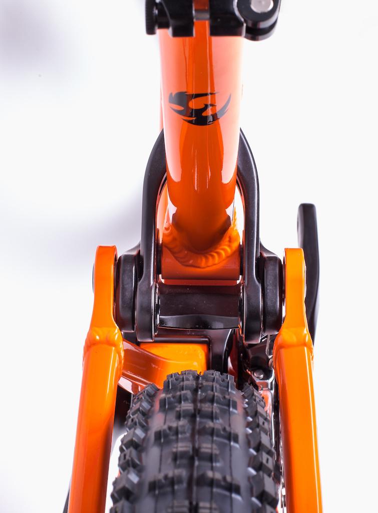 Pivot Mach 6 Aluminum detail. 2016