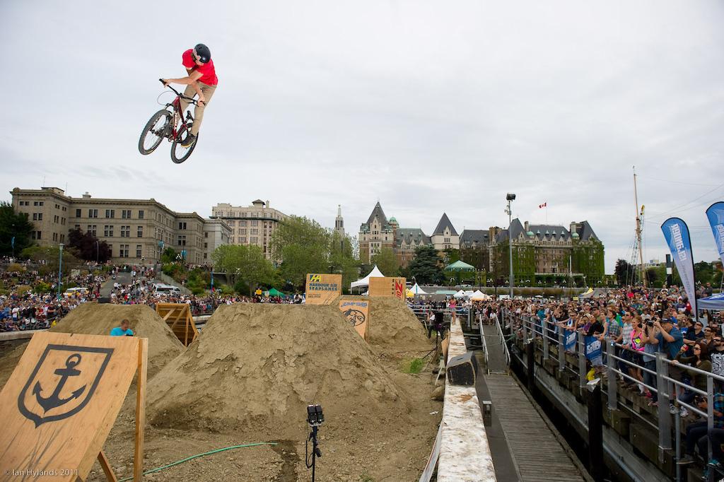 Brandon Semenuk huge 360 X up