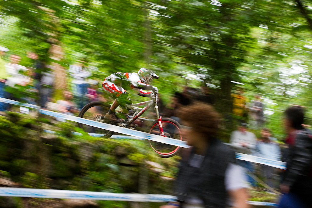 Ivan Oulego may be the second oldest racer punching the clock today but the new Massi El Toro DH sled and his years of wily experience saw him take home 28th on the day. Look for that plate number 114 to drop well below 100 for Val di Sole.