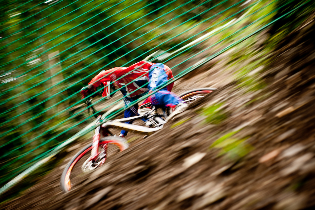 Danny Hart showing his skills in the OTS at Champery Worlds two days before he made his legendary run. 6 Hart Danny Giant Factory Off-Road Team GBR
