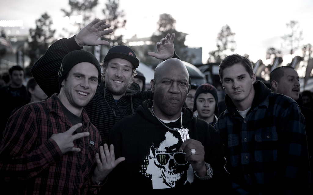 Zink Yo Deebo Throw up the two-six gang sign for these fools Deebo Nah lil homie I m too ol fa dat sheeeeiit Best pic of the entire trip.